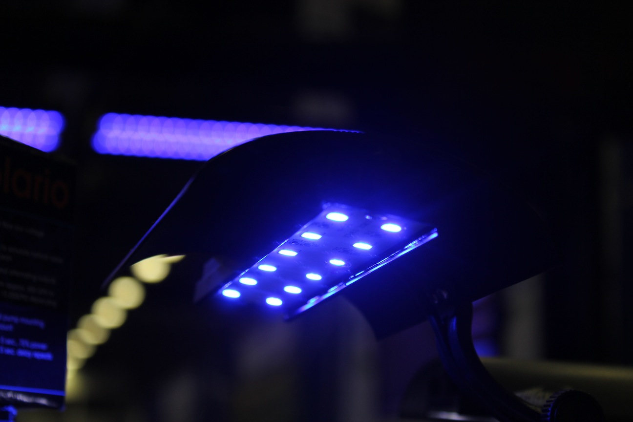 WavePoint SuperBlue LED Clamp Light